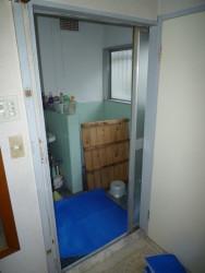 浴室中折れ戸